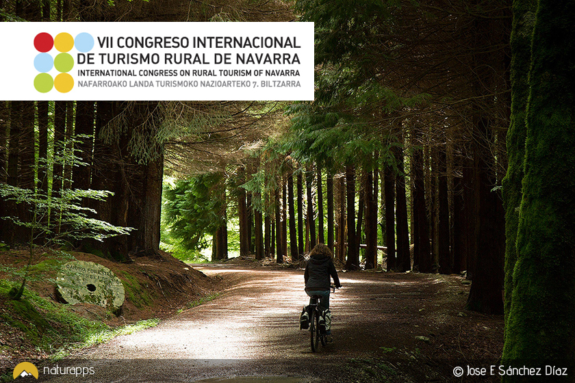 Asistimos al Congreso de Turismo Rural de Navarra y lo celebramos regalándote las rutas de Irati