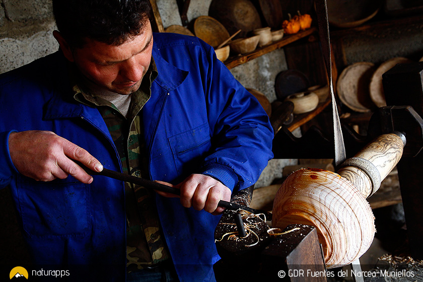 Artesanos de la madera en el valle de Degaña