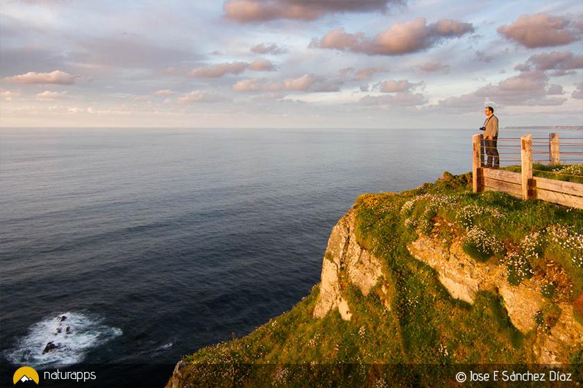 Cabo Busto, una atalaya privilegiada en la costa de Luarca